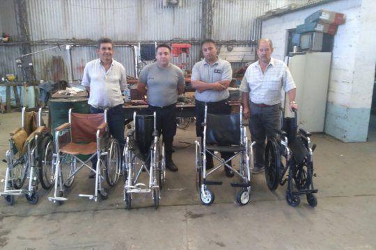 solidaridad en la carcel: presos de trenque lauquen restauraron sillas de ruedas para caritas