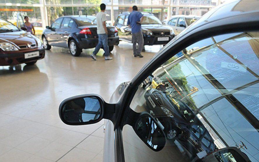 Derrumbe del sector automotriz: El año arrancó con la mitad de ventas que en 2018