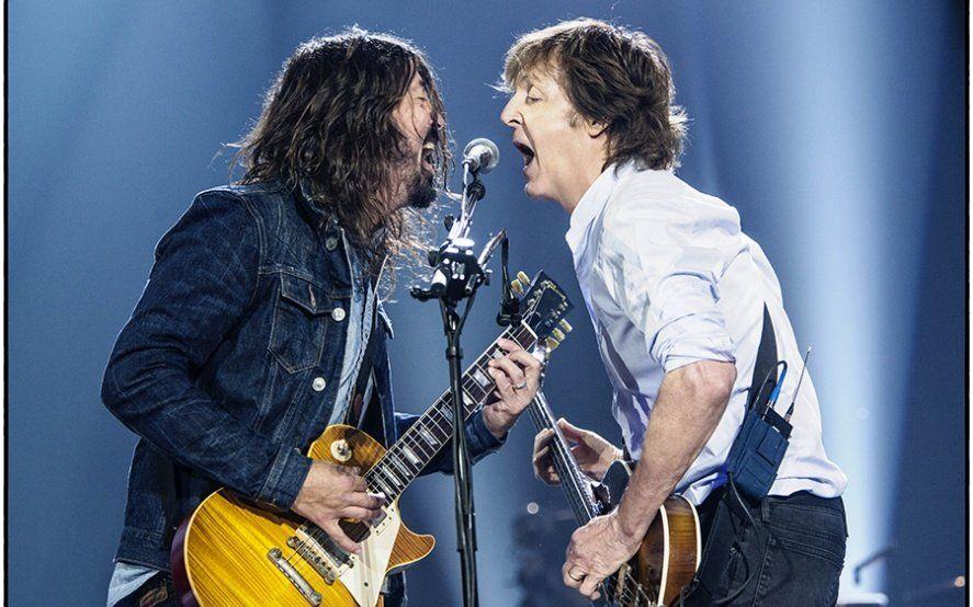 Paul McCartney cumple 77 años: escuchá tres de las grandes colaboraciones musicales del bajista Beatle