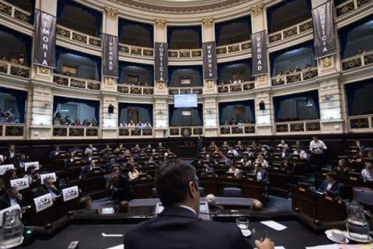 legisladores bonaerenses sancionaron ley que limpia facturas de luz y agua en la provincia