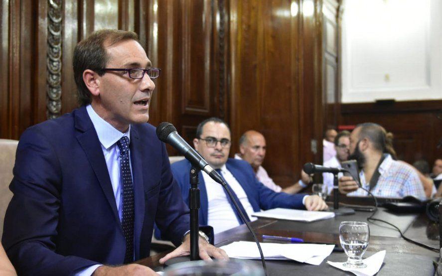Julio Garro solicita la suspensión de actividades por 15 días al gobernador y presidente