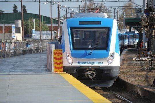 tren roca con servicio limitado: una nueva protesta de trabajadores con corte en avellaneda