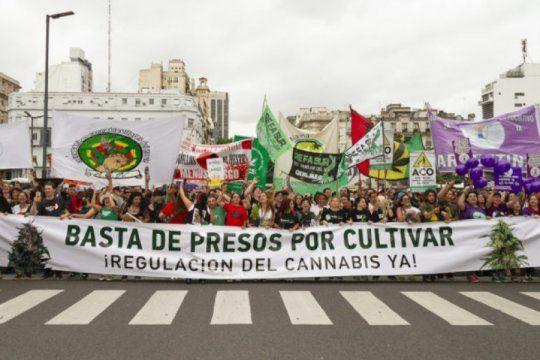 marcha nacional de la marihuana: argentina reclama una alternativa a la prohibicion