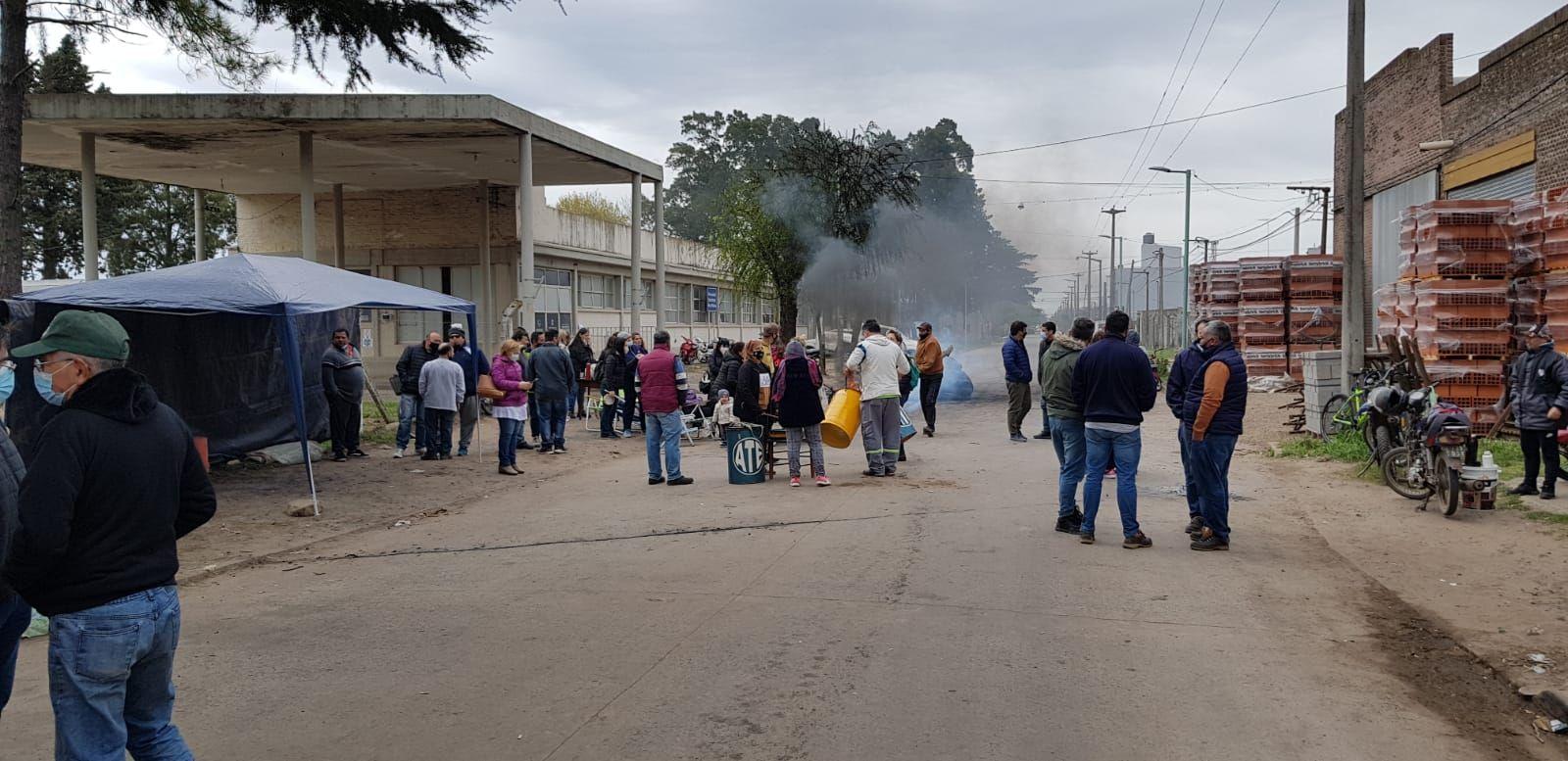 Trabajadores municipales de Chacabuco continúan de paro ante la falta de acuerdo paritario