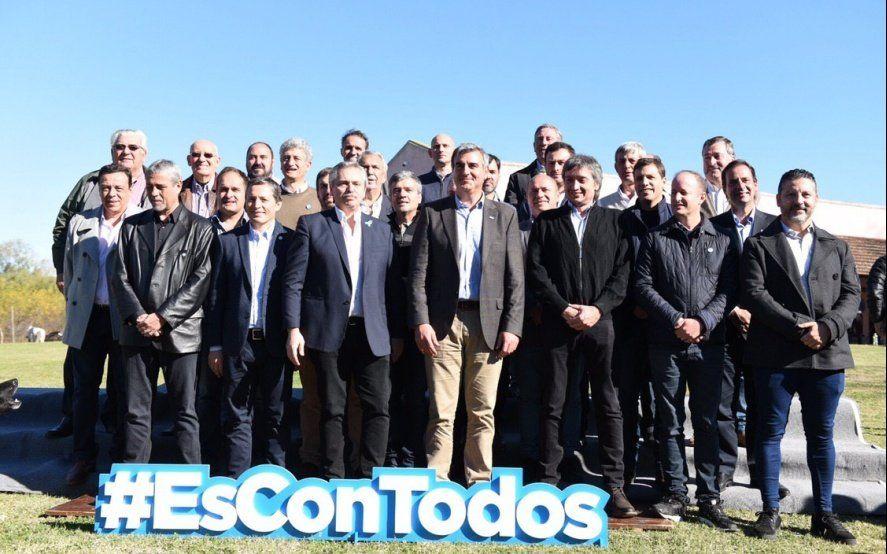 Guiño de Alberto Fernández al planteo de los intendentes que quieren pelear la Gobernación