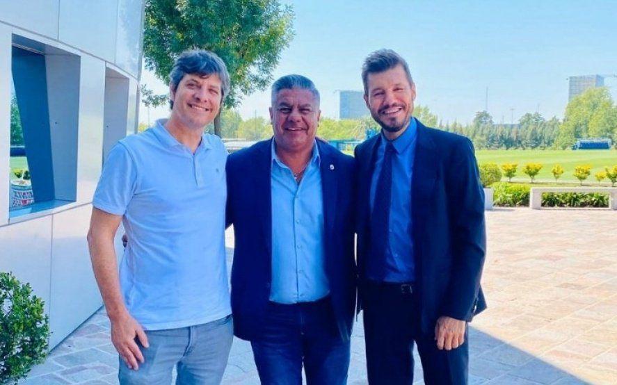 Chiqui Tapia logró la foto imposible: El presidente de AFA juntó a Mario Pergolini y Marcelo Tinelli