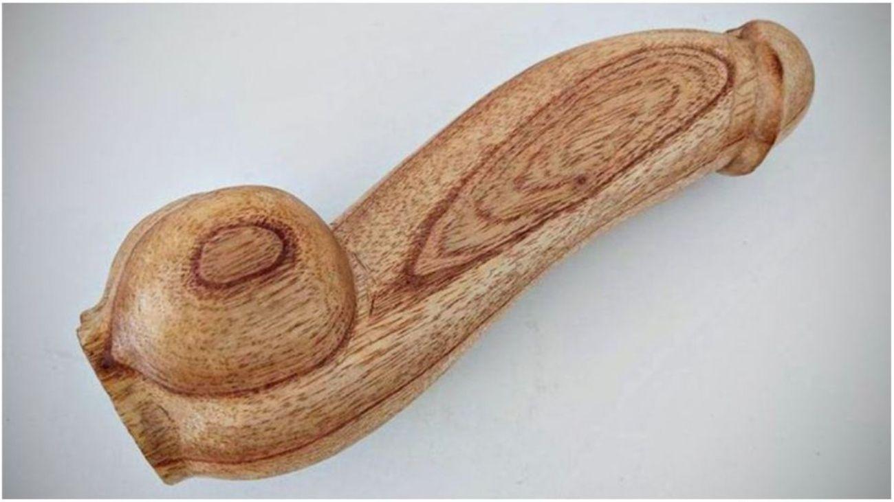 Todas las personas tendrían que saber poner un preservativo sostuvo Ayelén Bicerne sobre el debate por la compra de penes de madera.
