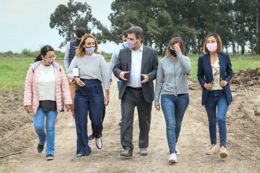 Cristian Ritondo y Florencia Arietto en Guernica. El PRO remarca la grieta por la toma de tierras