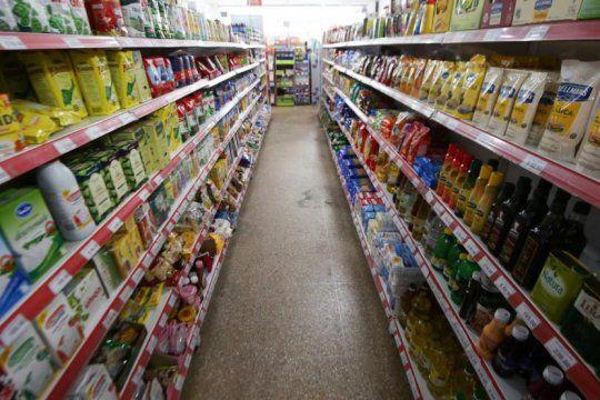 las ventas en shopping cayeron casi 100% en abril y en supermercados hubo una leve suba