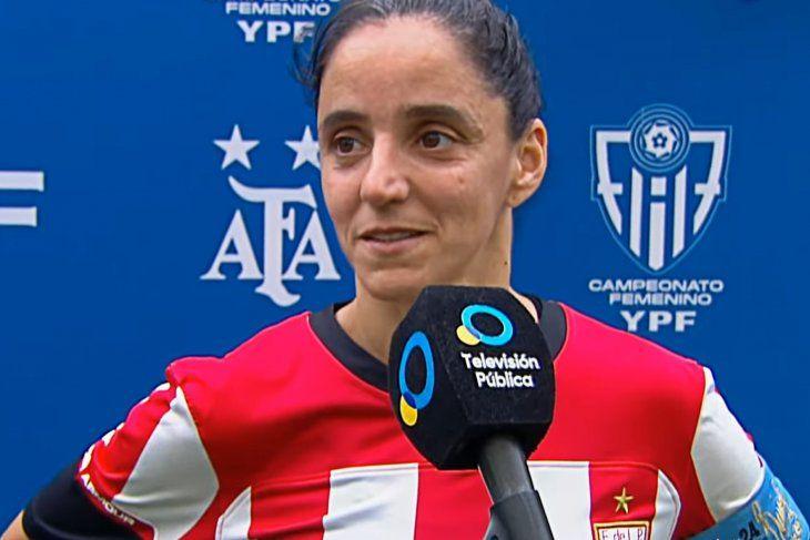 Evangelina Alfano, mediocampista del fútbol femenino de Estudiantes.