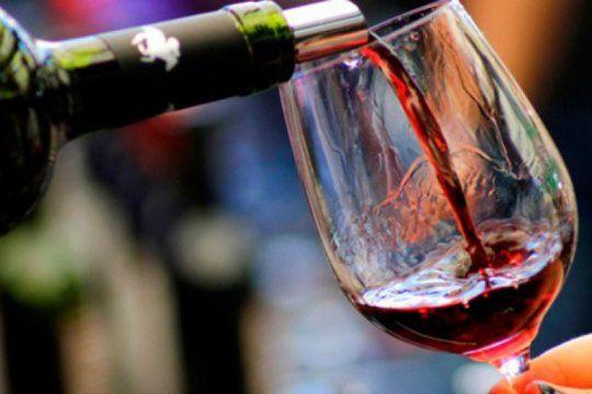 malbec argentino, el vino lider que elige el mundo: las redes sociales lo homenajean en su dia