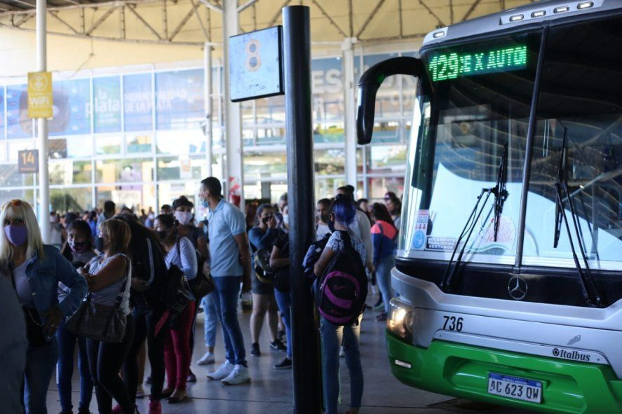 El paro de colectivos de la UTA en La Plata afectará a líneas provinciales y municipales