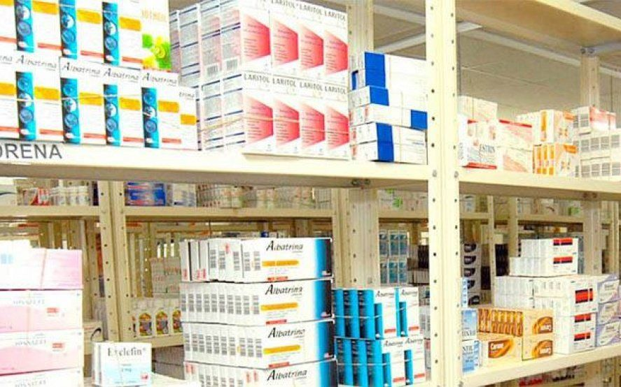 Farmacias: quienes no se encuentren entre la población en riesgo, deberán esperar hasta las 9.30 y llevar lapicera