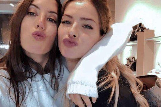 La China Suárez junto a su amiga Sofía Sarkany, con quien compartió muchos viajes y momentos.