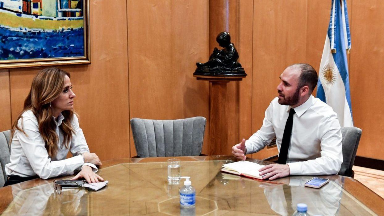 El ministro de Economía, Martín Guzmán, recibió este lunes en el Palacio de Hacienda a la primera precandidata a diputada del Frente de Todos por la provincia de Buenos Aires, Victoria Tolosa Paz.