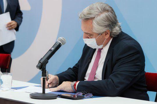 Ganancias: el presidente Alberto Fernández promulgó la ley