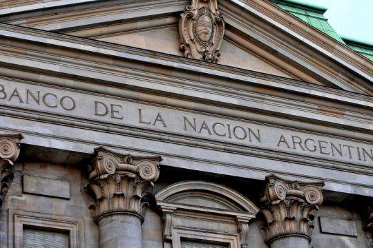 los bancos de todo el pais paran por dos horas y en el nacion la medida sera de jornada completa