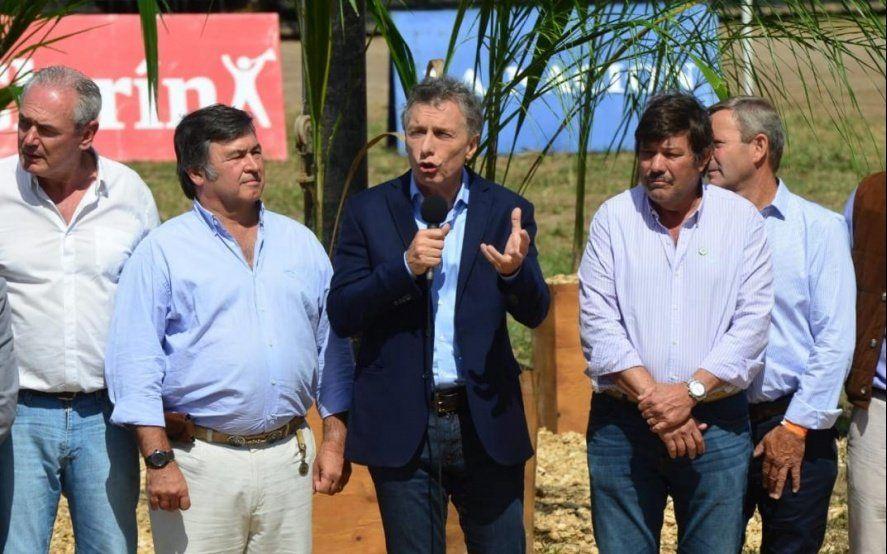 """Macri elogió al campo por """"hacer un milagro"""" y anunció medidas para productores rurales"""