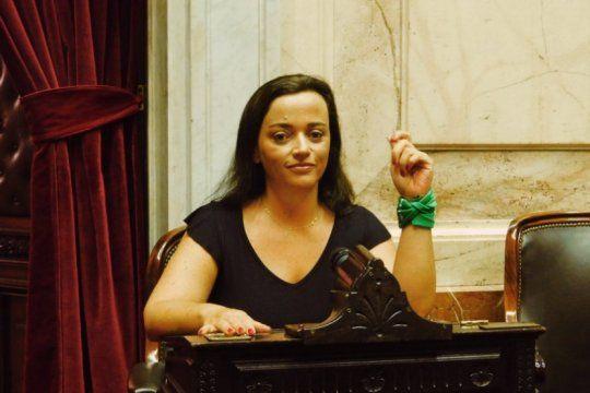 cecilia moreau cruzo la acusacion de suarez lastra: ?los legisladores no podemos estar encuarentenados?