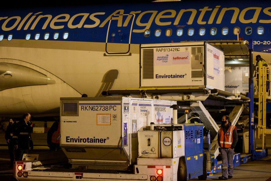 Argentina recibió más vacunas contra el coronavirus de AstraZeneca