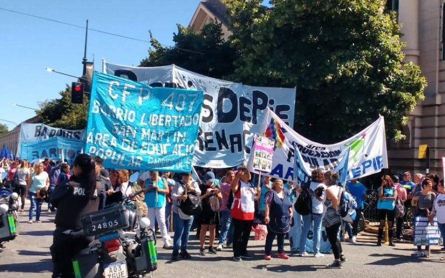 Organizaciones piqueteras marcharon contra el hambre y llegaron hasta Nordelta