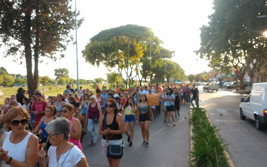 Vecinos de Zárate marcharon en reclamo de justicia y cárcel para los asesinos de Fernando Báez