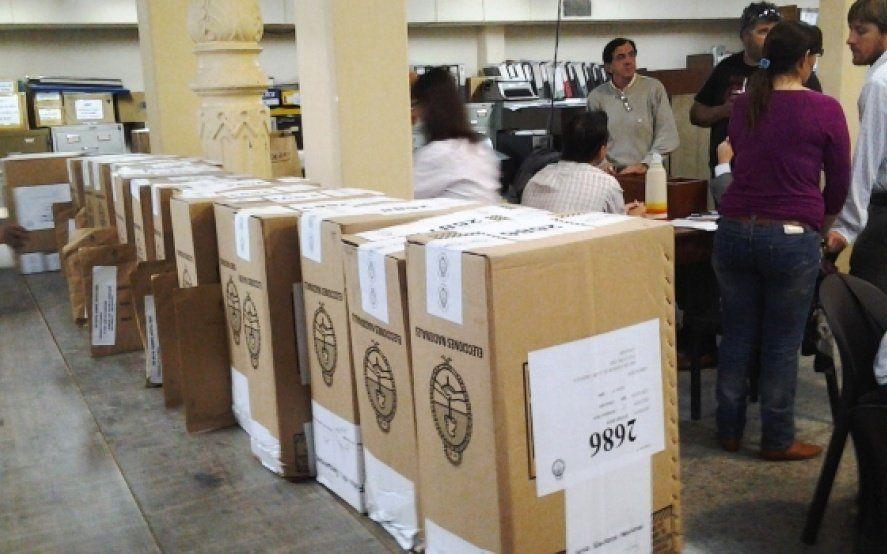 Polémica por el escrutinio provisorio: Ahora los partidos políticos podrán fiscalizar la transmisión de datos