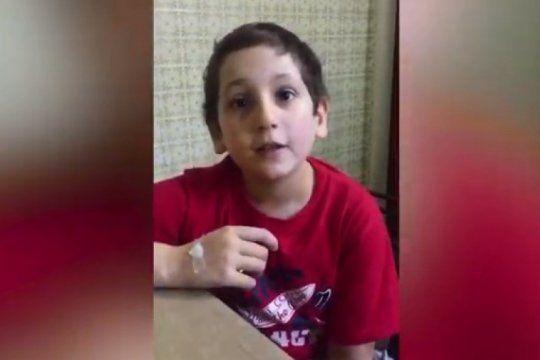 video: tiene 10 anos y pide ayuda para un nene que tiene leucemia, como el