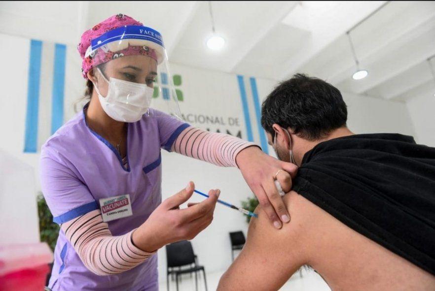 Vacunación: Argentina ya vacunó a más del 50%