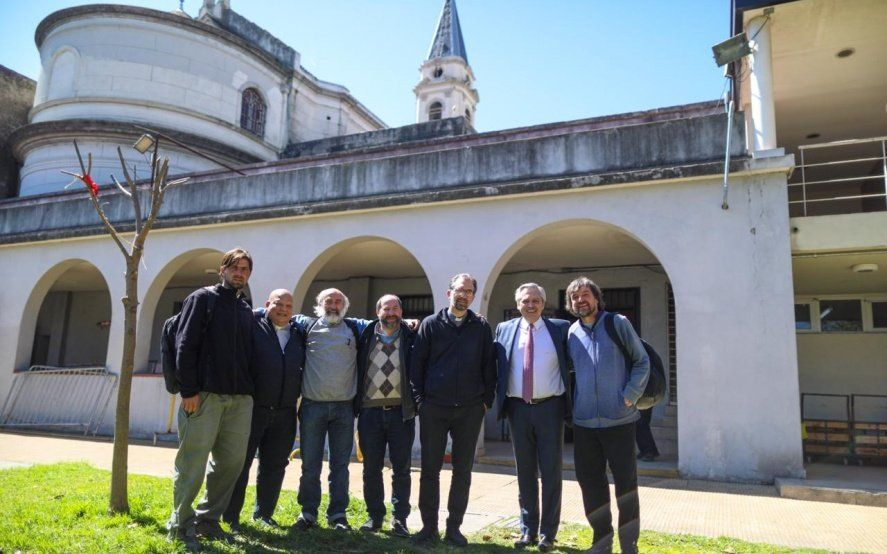 """Los """"curas villeros"""" del Papa Francisco se reunieron con Alberto Fernández"""
