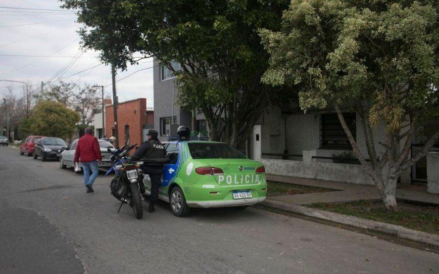 Patachorros en Ensenada: un hombre y su hijo sufrieron un violento robo en un departamento