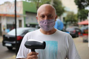 Hasta ahora un secador de pelo es todo lo que recibió como premio el taxista platense que participó en el programa de Guido Kaczka