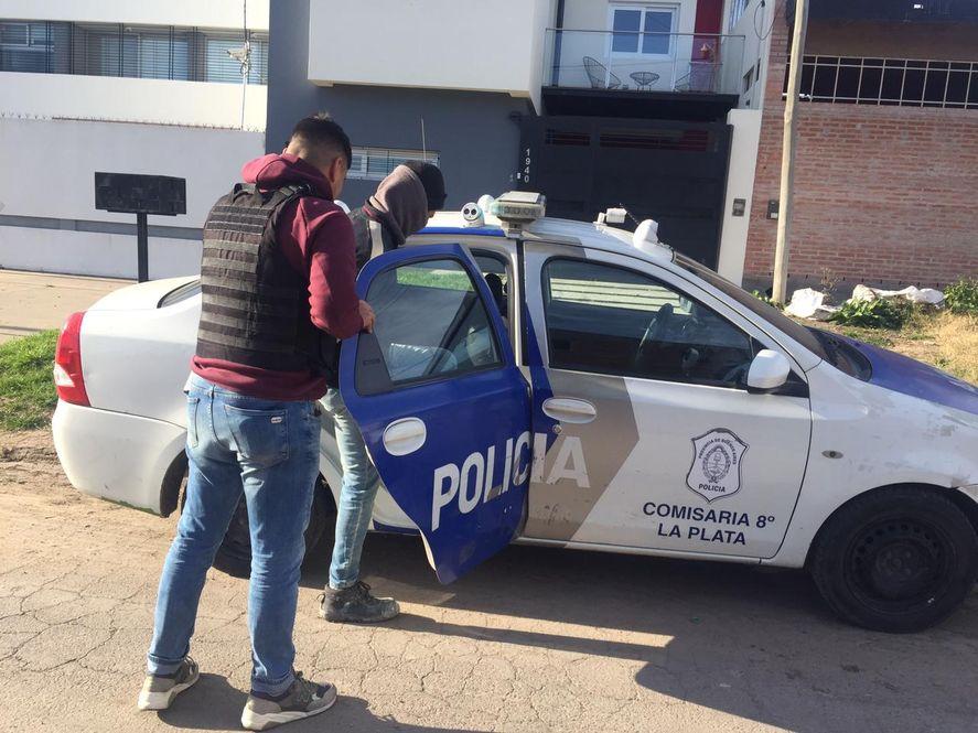 El violento de género fue detenido por personal de la comisaría Octava