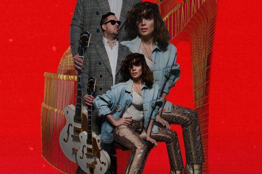 Nena X es el alter ego de la cantante argentina Sophie Miranda De Matteis, quien acompañada por el productor musical, guitarrista y artista visual Pedro De Matteis le dan vida a este proyecto.