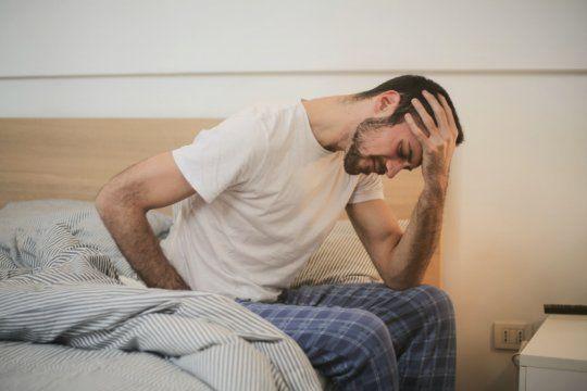 El Ministerio de Salud sumó la cefalea, la diarrea y los vómitos a los síntomas para identificar un caso sospechoso de Covid-19