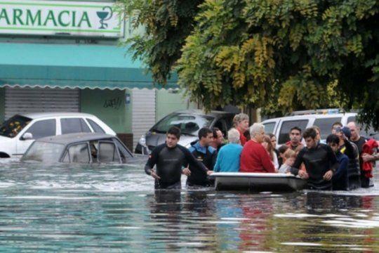 la unlp dara capacitaciones gratuitas para saber como actuar ante el riesgo de inundaciones