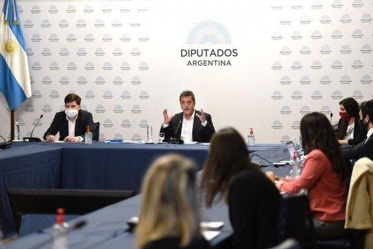 .El presidente de la Cámara de Diputados, Sergio Massa, mantuvo una reunión con la Red de Parlamento Abierto