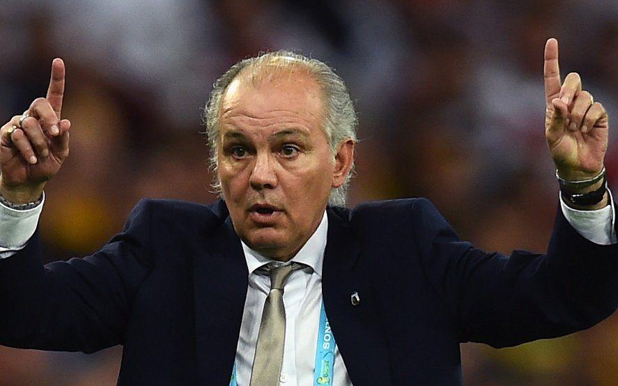 Alejandro Sabella y el manual para cerrar la grieta del fútbol argentino