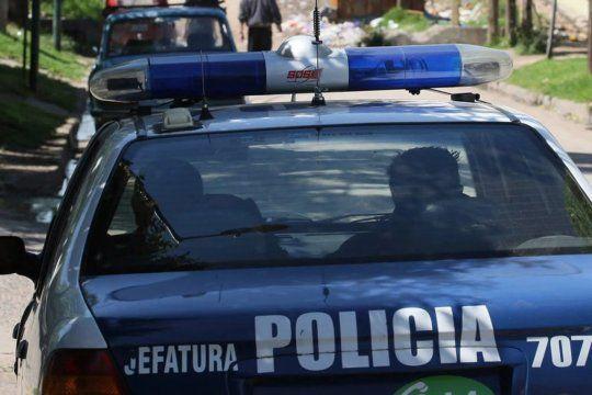 El policía fue detenido en una seccional oficial en Moreno