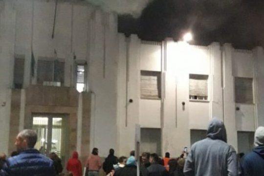 puan: se incendio el municipio durante los festejos por el dia de la primavera