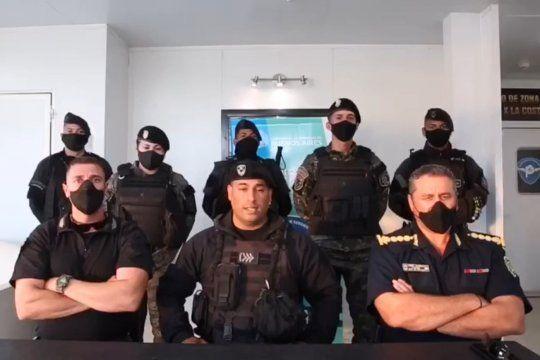 Los policías que saludaron a Bullrich hicieron su descargo
