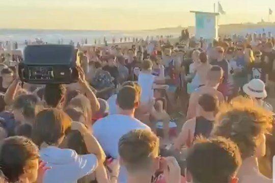 Jóvenes, alcohol, parlantes, amontonamiento y una batalla campal en playas de Pinamar