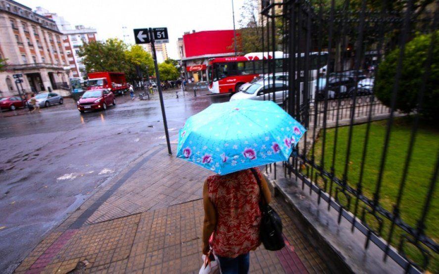 Rige un alerta meteorológico por lluvias y tormentas fuertes en la provincia de Buenos Aires
