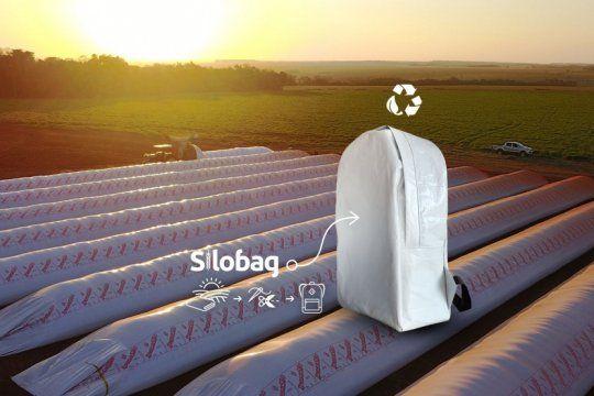 dia mundial del medio ambiente: una marca argentina hace mochilas con bolsas recicladas