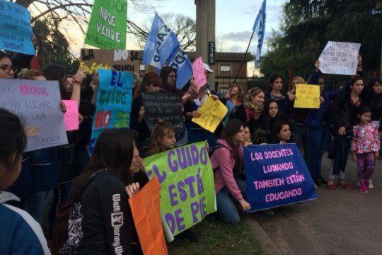 docentes se movilizan otra vez ante posible achique de los institutos de formacion de la iglesia de la plata