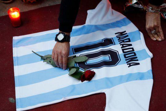 Muerte de Maradona: imputan al psicólogo y a dos enfermeros