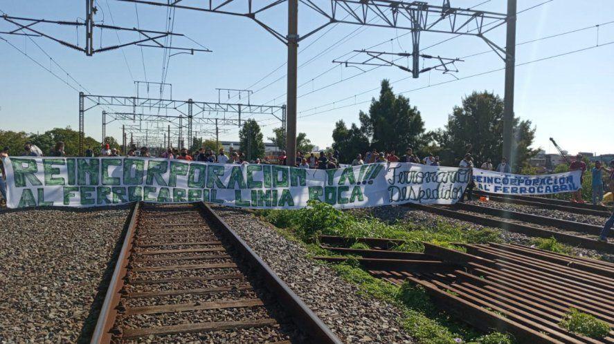 El corte de vías es en la estación de Avellaneda (Foto: @MascariniMarce)