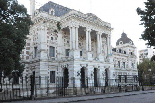 El Gobierno de la provincia de Buenos Aires y los gremios estatales encuadrados en la Ley 10.430 retomaron las paritarias para cerrar el ultimo incremento del 2020