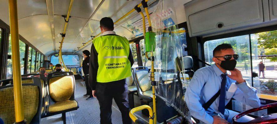 Habrá intensos controles en el transporte público para que sólo circulen los trabajadores y trabajadoras esenciales.