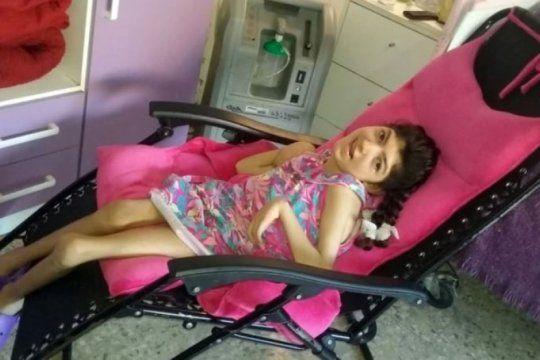 la noticia mas esperada: tiene paralisis cerebral, vive en una reposera y consiguio una silla de ruedas